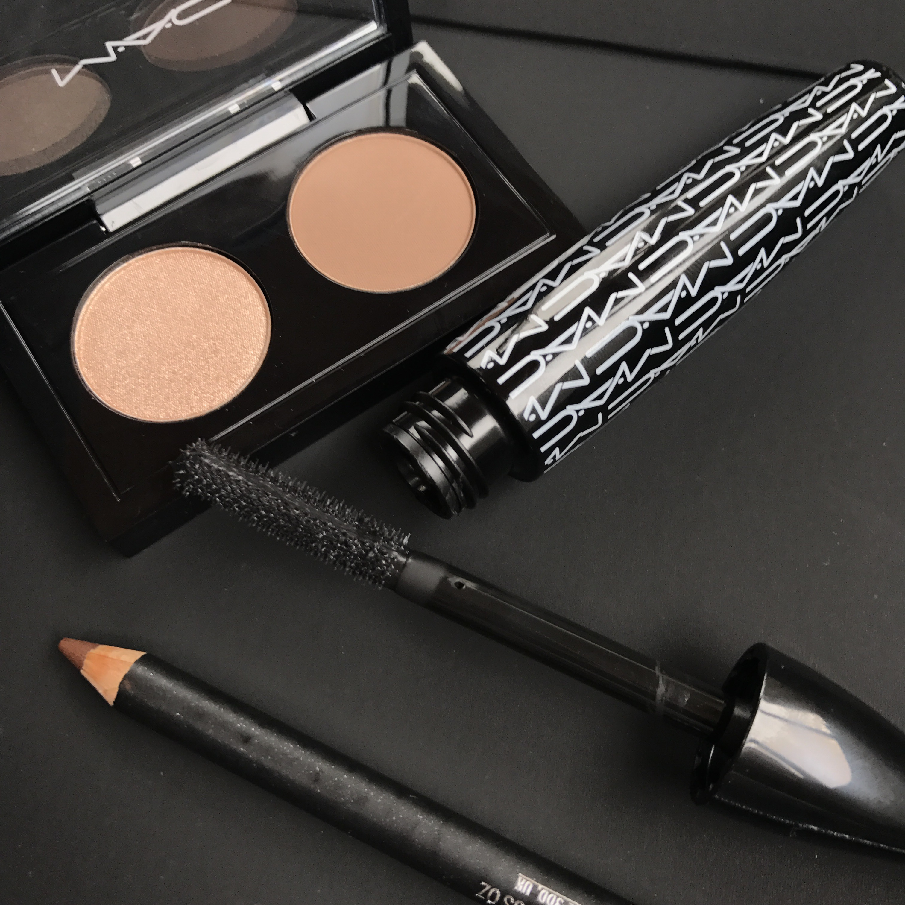 Voorkeur MAC Makeup Must Haves – Two Broke Divas &GX68